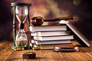 Как называются юристы на английском языке: lawyer, attorney, barrister
