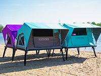 кемпинг, в котором палатки располагаются над землей